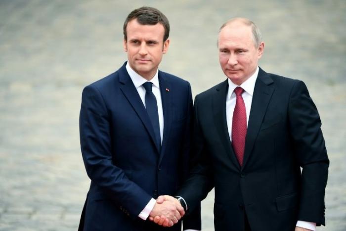 ماكرون يعتزم إجراء محادثات مع نظيره الروسي قريبًا