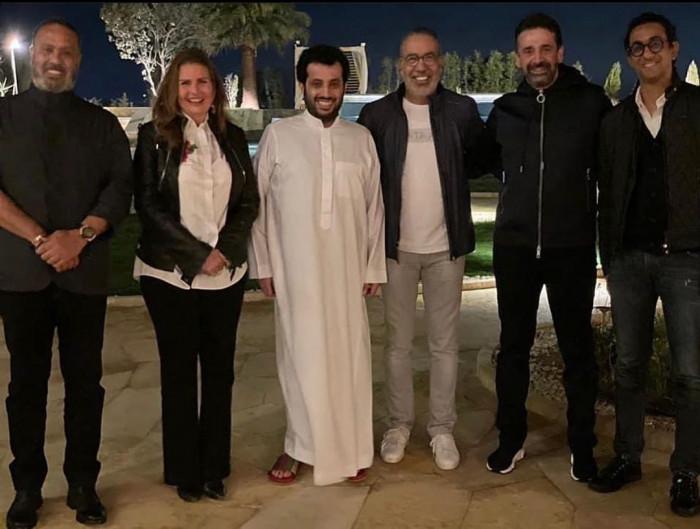 مدحت العدل يكشف تفاصيل لقاء فناني مصر مع تركي آل الشيخ