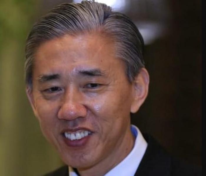 سفير الصين يهنئ بافتتاح مطار الريان