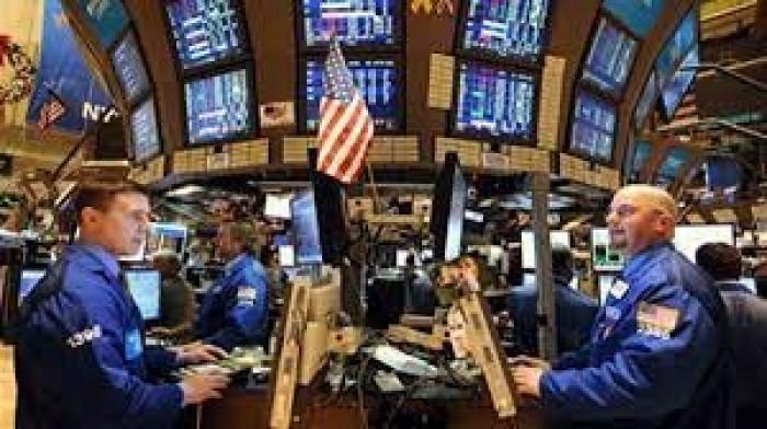 انخفاض مؤشرات سوق الأسهم الأمريكية عند الإغلاق