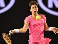 لاعبة التنس الإسبانية كارلا سواريز نافارو تتعافى من سرطان الغدد الليمفاوية