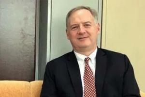 مع انطلاق التحصين محليًا.. السفير الأمريكي: مليارا دولار لدعم لقاحات كورونا