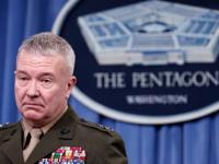 ماكينزي يحذر من تهديد إيران والحوثيين لباب المندب