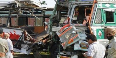 مصرع وإصابة 11 شخصًا في حادث تصادم بالهند