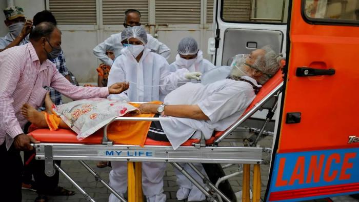 الهند تسجل 323 ألفا و144 إصابة بكورونا في يوم واحد