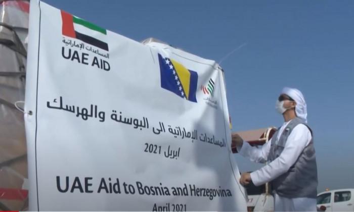 الإمارات تُرسل طائرة مساعدات إلى البوسنة والهرسك