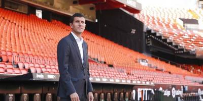 مدرب فالنسيا قبل مواجهة برشلونة: علينا إدراك أهمية النقطة