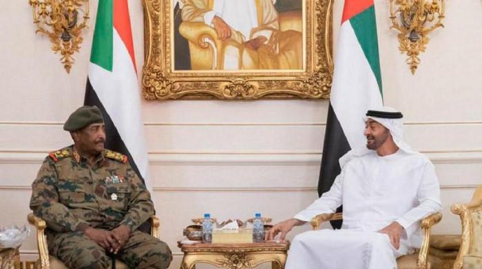 بن زايد يتلقى اتصالًا هاتفي من رئيس مجلس السيادة السوداني