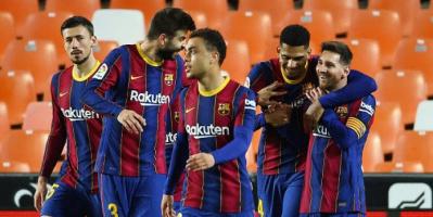 ثنائية ميسي تقود برشلونة لفوز ثمين على فالنسيا وتعزيز طموحاته في الدوري الإسباني