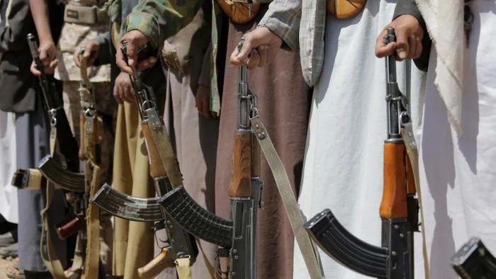 مليشيا الحوثي تلاحق مصور واقعة منع صلاة التراويح