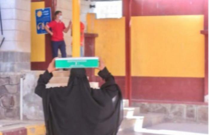 مساعدات غذائية سعودية للأسر الأكثر احتياجًا في عدن