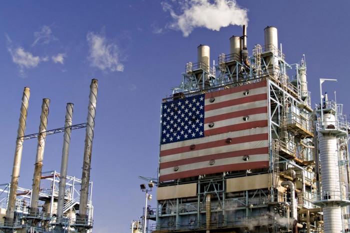 انخفاض مخزونات النفط الخام بأمريكا 7.7 مليون برميل