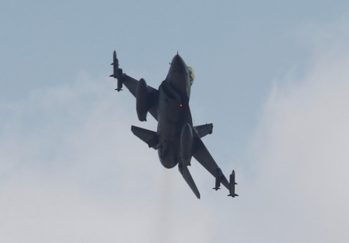 اتفاق ثلاثي بين ألمانيا وفرنسا وإسبانيا بشأن تطوير طائرة مقاتلة مشتركة