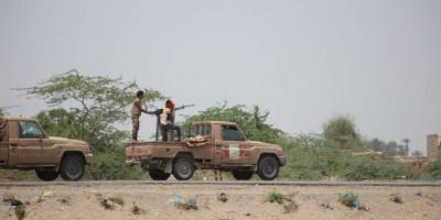 القوات المشتركة تدك تعزيزات حوثية شرق الجبلية