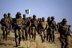 مقتل 4 جنود باكستانيين في هجوم مسلح غرب البلاد