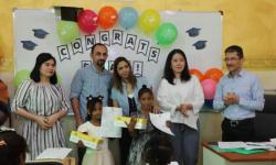 جوائز تشجيعية لخريجي مركز سقطرى في قلنسية