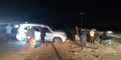 خسائر مادية في حادث مروري على طريق بعتق
