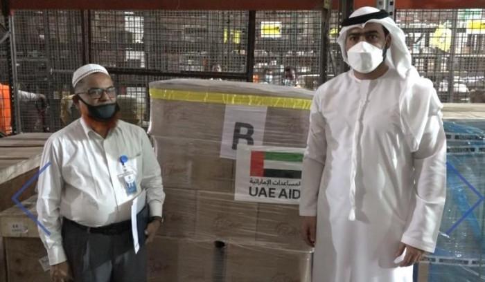 الإمارات ترسل طائرة تحمل على متنها 50 طناً من المواد الغذائية إلى بنغلاديش