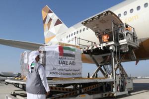 الإمارات تُرسل 50 طنًا من المساعدات إلى السنغال