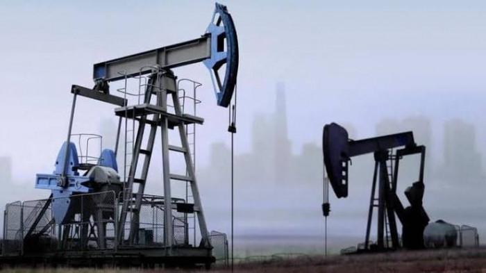 النفط يتعافى بدعم بيانات اقتصادية إيجابية من الصين وأمريكا