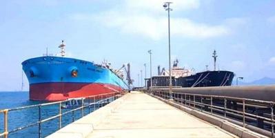 24 ألف طن مازوت تصل لميناء الزيت بعدن