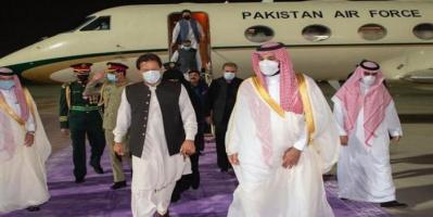 رئيس وزراء باكستان يصل السعودية ولتقي بولي العهد