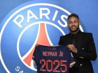 رسميا..باريس سان جيرمان يعلن تجديد عقد نيمار