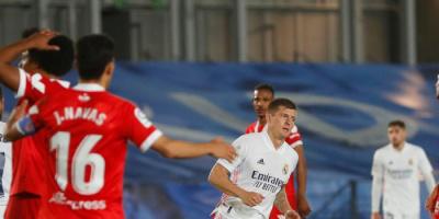 ريال مدريد يسقط في فخ إشبيلية ويهدر فرصة اقتناص صدارة الليجا