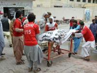 مصرع سيدة وإصابة 7 آخرين في سقوط حافلة بباكستان
