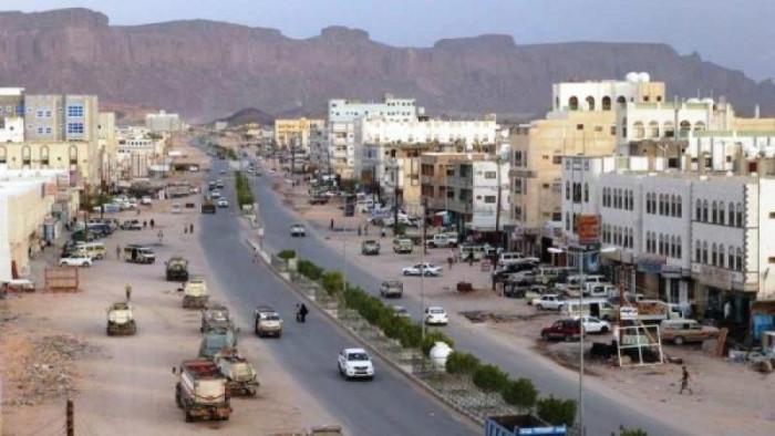 مليشيات الشرعية تستبدل سجناء هاربين بذويهم في بيحان