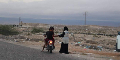 """""""الهلال الإماراتي"""" يحمي 43 ألف أسرة من الجوع بحضرموت وشبوة"""