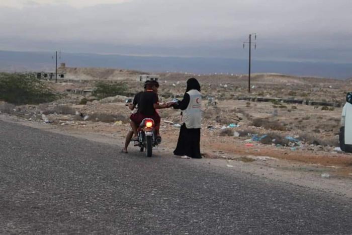 الهلال الإماراتي يحمي 43 ألف أسرة من الجوع بحضرموت وشبوة