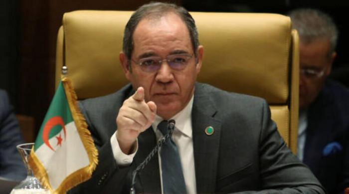 الجزائر وليبيا تبحثان سبل تعزيز العلاقات الاقتصادية بين البلدين