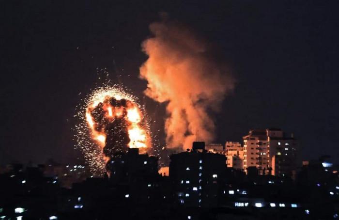 عاجل.. إسرائيل تقصف برج الشروق بـ 4 صواريخ