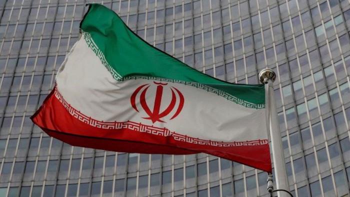 جمهوريون يحذرون شركات أمريكية من التعامل مع إيران