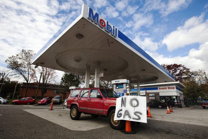 هجوم إلكتروني.. مناطق في أمريكا تواجه نقصًا في البنزين