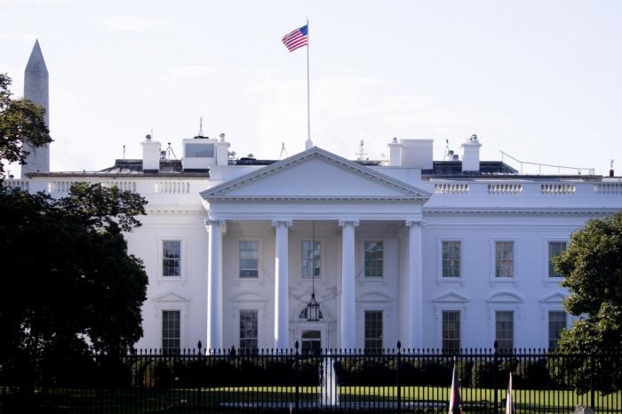 """أمريكا تمدد """"طوارئ اليمن"""": وزراء سابقون يهددون السلام"""