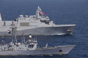 القوات البحرية المصـرية والأمريكية تنفذان تدريبا بحريا مشتركا