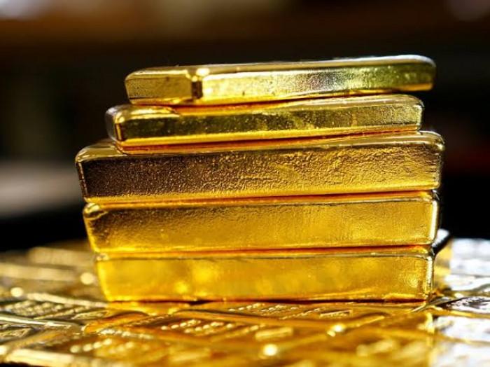 هبوط الدولار يدفع أسعار الذهب إلى الصعود