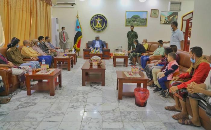 لقاءات شعبية للرئيس الزُبيدي بين المواطنين في عدن