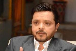 محمد هنيدي يفاجئ جمهوره بصورة جديدة