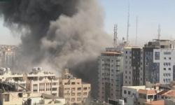 يضم مكاتب صحفية.. إسرائيل تدمر ثاني أكبر برج في غزة بشكل كامل