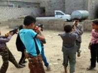 هل توظف الشرعية الإخوانية مسدسات العيد لتجنيد الأطفال؟