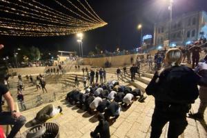 إصابة فلسطيني بقنبلة صوت إسرائيلية بالخليل