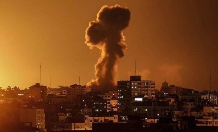 إسرائيل تقصف بلدة القراره بمدينة خان يونس