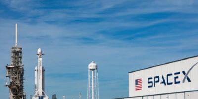 "إطلاق صاروخ ""Falcon 9"" وعلى متنه 52 قمرًا صناعيًا"