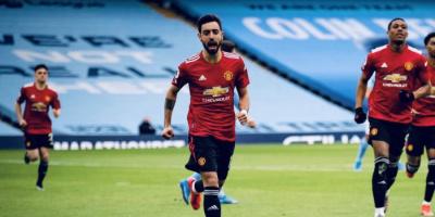 برونو فيرنانديز يفوز بجائزة لاعب الموسم في مانشستر يونايتد