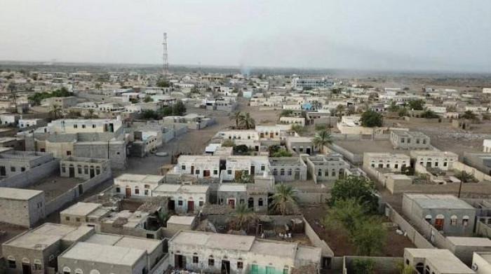 هجمات حوثية متقطعة على المواطنين في حيس