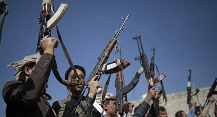انتكاسة الحوثي تشعل صراعا محتدما بين عناصر المليشيات