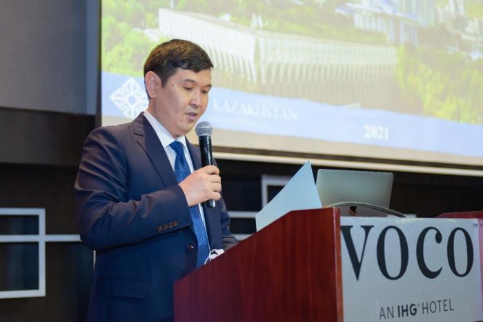كازاخستان تشيد بدور الإمارات الداعم والمحفز لاقتصادها